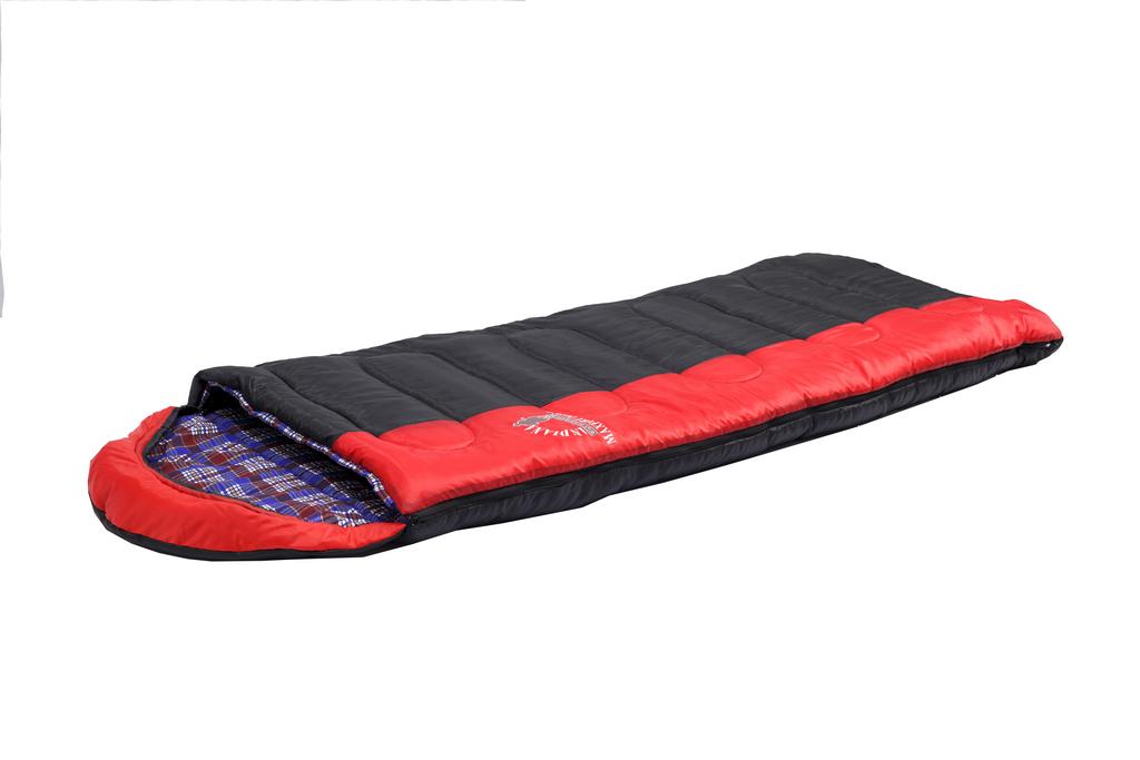 Спальный мешок MAXFORT PLUS L-zip от -15C (одеяло Спальники<br>Спальный мешок MAXFORT PLUS L-zip от -15C (одеяло <br>с подголов фланель195+35X90 см)<br>Cпальный мешок-одеяло с капюшоном-подголовником, <br>который можно использовать в путешествиях <br>на природу и повседневной жизни. <br>Отличительной особенностью этой модели, <br>является использования хлопковой фланели <br>в качестве подкладки, что увеличивает комфортность <br>использования спальника. <br>Выпускается как с левой так и с правой молнией, <br>что позволяет соединить два спальника друг <br>с другом.<br>Характеристики<br>Внешний материал: Полиэстер<br>Внутренний материал: Фланель <br>Особенности: Молния слева<br>Утеплитель: Fiber Warm<br>Размер: 230x90 см<br>Вес: 2.9 кг<br>Цвет: Черный/Красный<br><br>Сезон: зима