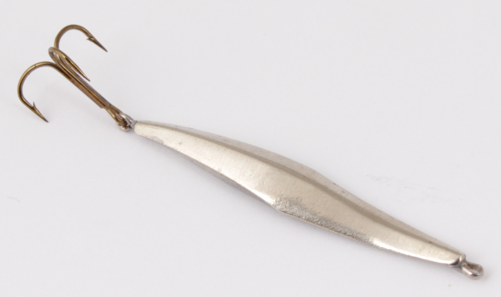 Блесна зимняя DIXXON-RUS Уралка-Т (ник.) (3,3гр) Блесны<br>Блесна для отвесного блеснения рыбы. Оснащена <br>подвесным тройником. Вес - 3,3 г Цвет - никель<br>