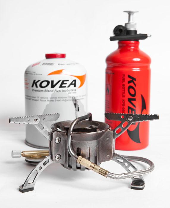 Горелка мультитопливная Kovea (газ-бензин) Горелки<br>Горелка, работающая и на газу и на бензине. <br>При использовании бензина появляется возможность <br>приготовления пищи при температуре – 40 <br>°C и ниже. Система предварительного подогрева <br>топлива обеспечивает полное его сгорание <br>и стабильную работу горелки при низких <br>температурах. Горелка великолепно зарекомендовала <br>себя в российских условиях, она легко и <br>просто чистится даже на морозе и хорошо <br>работает даже на загрязненном бензине. <br>В трубке прогрева топлива находится традиционный <br>тросик для прочистки топливного канала, <br>а форсунка чистится специальной иглой даже <br>без разбора горелки. При использовании <br>газа применяются резьбовые баллоны KGF-0110, <br>KGF-0230, KGF-0450. При наличии переходника КА-9504 <br>возможно использование высоких цанговых <br>газовых баллонов KGF-0220 Горелка неоднократно <br>доказывала свою живучесть в длительных <br>зимних экспедициях, отлично работая на <br>некачественном топливе и при сильных морозах. <br>Модель KB-0603 Вес 306 г Расход топлива 270 г/ч <br>Размер упаковки 370x270x100 мм Диаметр конфорки <br>19 см Пъезоэлемент нет Комплектация Горелка, <br>ремкомплект, мультифункциональный инструмент <br>для ремонта и чистки, чехол, топливный насос, <br>топливная фляга 600 мл<br>