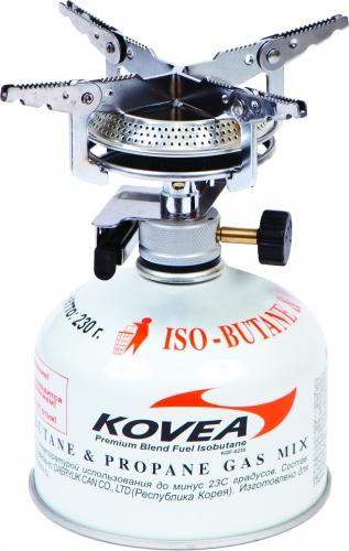 Горелка газовая Kovea KB-0408Горелки<br>Газовая горелка Kovea KB-0408 Hiker Stove – популярная <br>надежная газовая горелка с пьезоподжигом <br>для широкого круга интересов. Широкие раскладные <br>лапки конфорки и самая большая в модельном <br>ряду головка позволяют ставить на газовую <br>горелку посуду большой емкости и готовить <br>пищу на несколько человек. Газовая горелка <br>достаточно проста в эксплуатации, благодаря <br>чему ее можно использовать и в кемпинге, <br>и на рыбалке. Газовая горелка работает от <br>газового баллона резьбового стандарта, <br>но возможно и подсоединение к цанговому <br>газовому баллону при помощи адаптера со <br>шлангом Cobra. Характеристики: Вес: 232 г. Диаметр: <br>15 см. Мощность: 2 кВт Предварительный подогрев <br>газа: Нет Пьезоподжиг: Да Размер (в упак. <br>виде): 96x88x90 мм Расход топлива: 148 г/ч Топливо: <br>Газ Комплектация: Газовая горелка Пластиковый <br>кофр Инструкция по эксплуатации<br>