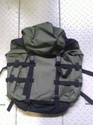 Рюкзак Лесник 45л (т/зеленый) (Курск)Рюкзаки<br>Общие характеристики Тип Рюкзак для охоты <br>и рыбалки Тип конструкции Мягкий Объем <br>45л Число лямок 2 Цвет Т/зеленый<br><br>Пол: унисекс