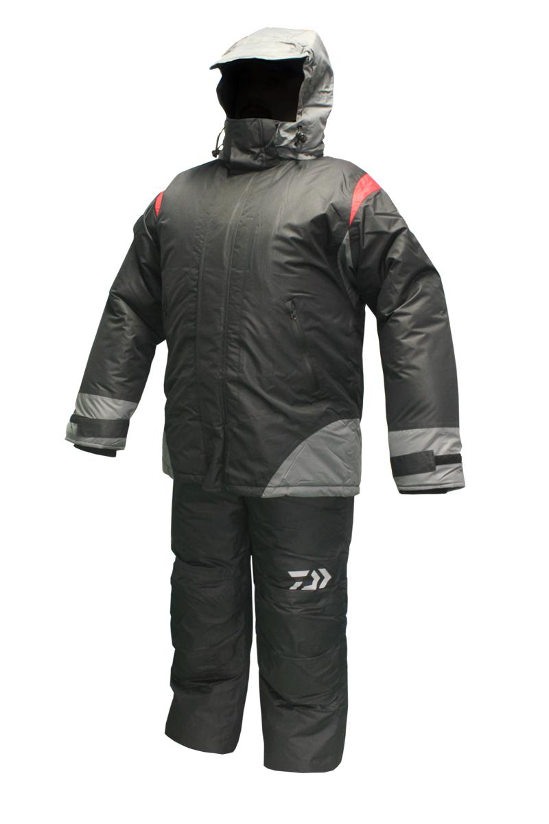 Костюм зимний DAIWA 1305R черный (XL)Костюмы утепленные<br>Костюм зимний DAIWA 3 в 1 Комплектация: Полукомбинезон <br>+ Утепляющая куртка второго слоя + верхняя <br>куртка Полукомбинезон классический с высокой <br>спинкой и нагрудником. Поясные утяжки на <br>липучке для точнойрегулировки размера. <br>Раструб штанин расширенный на молнии для <br>удобства расположения поверх зимней обуви. <br>Два боковых кармана с застежкой влагозащитной <br>молнией. В коленной и ягодичной части установлены <br>смягчеющие и утепляющие вкладыши из вспененных <br>пластин для дополнительной защиты при соприкосновении <br>с холодными поверхностями при ловле с колена <br>и/или длительном сидячем положении. Материал <br>полукомбинезона: Верх - Мембрана 5000/5000 Утеплитель: <br>Холофайбер 200гр/м2 Подкладка: ПЭ 190гр/м2 Утепляющая <br>куртка второго слоя: Куртка предназначена <br>для использования как дополнительный утепляющий <br>слой. Куртка пристегивается к основной <br>на молнию. Рукава фиксируются специальной <br>стропой с кнопкой. Верхняя ткань куртки <br>простегана с утеплителем, что позволяет <br>не сваливаться утеплителю. При этом внутренний <br>слой не простегивается, таким образом отсутствуют <br>дополнительные мостки холода. Куртка может <br>использоваться как отдельная верхняя одежда <br>в прохладных помещениях и/или в прохладную <br>погоду, а так же в палатке при зимней ловле. <br>Материал верха: смесовая ткань максимально <br>легко проводящая влагу, что позволяет не <br>намокать утепляющему слою. Утеплитель: <br>Холофайбер 100гр/м2 Внутренний слой: подкладочноя <br>ткань с меньшим коэф. паропроницаемости <br>чем верх. Разница в паропроницаемости верхнего <br>и внутреннего слоя позволяет максимально <br>эффективно проводить влагу от тела к верхней <br>куртке оставляя все нижние слои одежды <br>максимально сухими. Верхняя куртка: Куртка <br>удлиенная закрывающая тело до бедра, что <br>позволяет максимально эффективно сохранять <br>тепло. Удобный крой позволяет использовать <br>