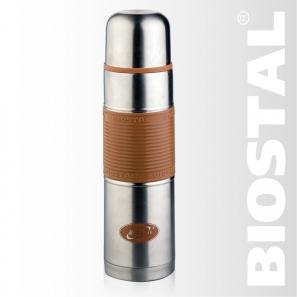 Термос Biostal NB-1000 P-С 1,0л (узкое горло, цв. силик. Термосы<br>Легкий и прочный Сохраняет напитки горячими <br>или холодными долгое время Изготовлен из <br>высококачественной нержавеющей стали С <br>крышкой-чашкой и цветной силиконовой вставкой <br>Пробка с кнопкой позволяет наливать напитки, <br>не отвинчивая пробку Гарантия на термос <br>1 год. Характеристики: Артикул: NB-1000Р-С Объем: <br>1,0 литра Высота: 31,6 см Диаметр: 8,5 см Вес: <br>593 г Размеры упаковки: 9х9х32,5 см Термос с <br>узким горлом NВ-1000Р-С ТМ «BIOSTAL» относится <br>к классической серии. Термосы этой серии, <br>являющейся лидером продаж, просты в использовании, <br>экономичны и многофункциональны. Термос <br>предназначен для хранения горячих и холодных <br>напитков (чая, кофе и пр.) и имеет удобную <br>цветную силиконовую вставку.<br>