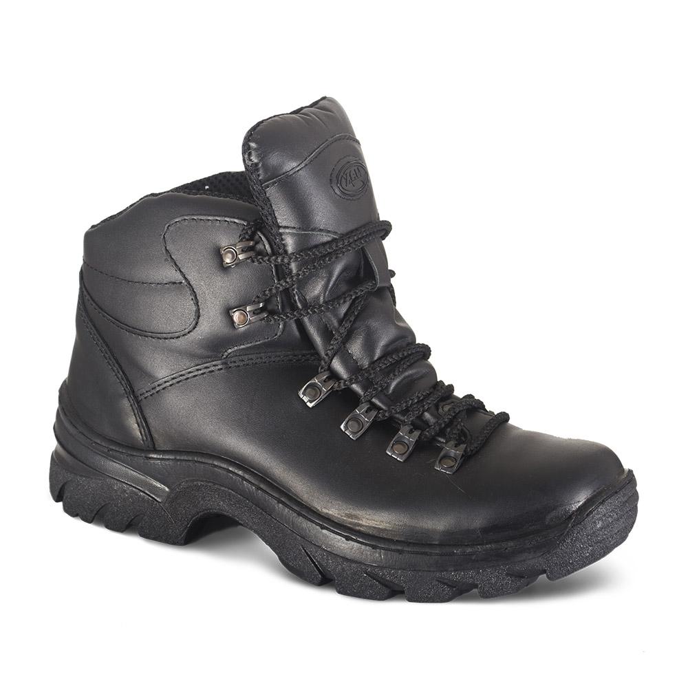 Ботинки ХСН «Трекинг-Люкс» туристические Ботинки для активного отдыха<br>Подходит для активного отдыха, охоты и <br>рыбалки. Комфортная температура эксплуатации: <br>от +5°С до +25°С. Особенности: - кожа с повышенной <br>влагостойкостью; - усиливающие элементы <br>в носовой и пяточной частях; - металлический <br>супинатор; - подошва повышенной износостойкости; <br>- Cambrelle - потоотводящий материал; - при изготовлении <br>применяются высокопрочные нити Guterman (Германия).<br><br>Пол: мужской<br>Размер: 47<br>Сезон: лето<br>Цвет: черный