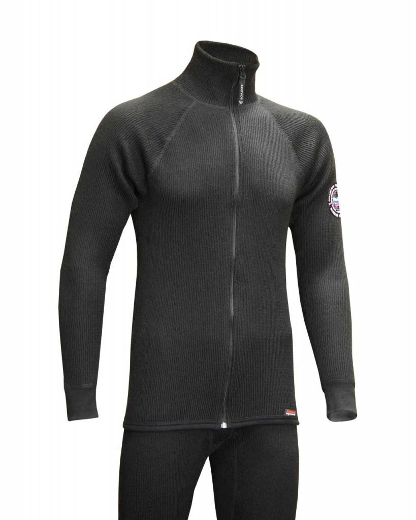 Термобелье Boevoy Т500 из мериносовой шерсти Комплекты термобелья<br>Boevoy Т500 - средний слой термобелья, используемый <br>для повышения теплоизоляции между базовым <br>слоем и ветроводонепроницаемым наружным <br>слоем одежды. Средний слой Boevoy Т500 добавляется, <br>как правило, при более низких температурах <br>и низкой активности. Это термобельё для <br>профессионалов и людей, деятельность которых <br>связана с длительным нахождением в условиях <br>холодной погоды. Прекрасно сочетается с <br>любым из базовых слоёв Боевой трикотаж <br>и может быть использован как нательный <br>слой белья. Дизайн моделей Boevoy Т500 гармонично <br>подойдёт к повседневному, спортивному и <br>даже деловому стилю одежды. Активность: <br>от низкой до средней. Погода: от холодной <br>до очень холодной. Двухслойный сетчатый <br>материал с нижним сетчатым слоем. Сохранение <br>тепла. Средний слой. Плотность - 500г. Передовая <br>система соединения деталей плоскими эластичными <br>швами. Повышает комфорт и снижает натирание <br>кожи. В состав материала входит шерсть мериносовых <br>овец. Толщина волоса до 24мкм. Мериносовая <br>шерсть обладает уникальными свойствами <br>по выводу влаги и сохранению тепла во влажном <br>состоянии. Акрил - искуственная шерсть, <br>Синтетическое волокно, повышающее прочность <br>и износоустойчивость материала. Характеризуется <br>высокой эластичностью, низкой гигроскопичностью <br>и теплопроводностью. Состав: 50% Мериносовая <br>шерсть (Merinowool), 50% Акрил (Acryl), плотность - <br>270г. Стирка при температуре не более 40°C. <br>Деликатный режим стирки. Моющее средство <br>для шерсти. Щадящий режим отжима в стиральной <br>машине. Глажение до 160° C. Не отбеливать.<br><br>Пол: мужской<br>Размер: 56<br>Рост: 170-176<br>Сезон: зима