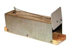 Живоловка для мелких грызунов (Екатер.)Мышеловки, котоловки, крысоловки<br>Живоловка предназначена для отлова мышей, <br>небольших крыс. Размеры 50 х 70 х 180 мм. Корпус <br>изготовлен из оцинкованного листа толщиной <br>0,5мм. Створки толщиной 2 мм<br>