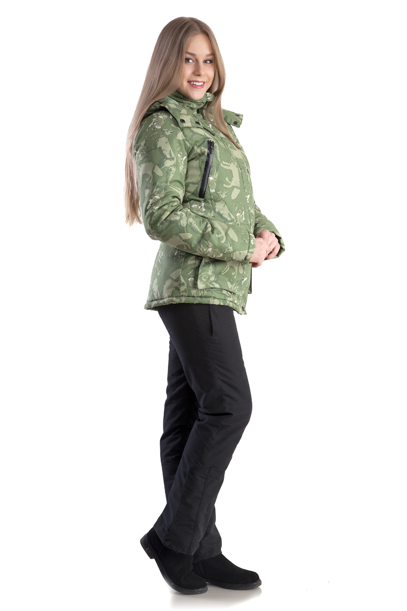Костюм женский Лиса зимний тк.мембрана Костюмы утепленные<br>Утеплённый комфортный женский костюм для <br>зимней рыбалки, охоты и активного отдыха. <br>Выполнен из ветронепродуваемой и водонепроницаемой <br>мембранной ткани. Предназначен для защиты <br>от пониженных температур, ветра, атмосферных <br>осадков в зимний период. Отлично сидит на <br>фигуре. Для удобства переобувания по низу <br>штанин - расширитель на молнии с планкой. <br>Костюм лёгкий по весу и удобный в эксплуатации. <br>Куртка •ветрозащитная планка •воротник-стойка <br>•боковые нагрудные карманы на молнии для <br>согрева рук •внутренние карманы на молнии <br>для мобильного телефона и документов •большие <br>накладные карманы для мелочей •капюшон <br>анатомического кроя с утяжкой по обзору <br>•крепление капюшона к куртке замком-молнией <br>•трикотажные манжеты в рукаве Полукомбинезон <br>•регулируемая кулиса по талии •застёжка-гульфик <br>•регулируемые эластичные лямки •два набедренных <br>кармана на молнии •расширитель в нижней <br>части штанин с планкой на молнии Утеплитель <br>- Альполюкс: Сочетание уникального микроволокна <br>и натуральная шерсть мериноса. Волокно <br>создаёт структуру материала, а шерсть повышает <br>его эксплуатационные характеристики и <br>добавляет в копилку преимуществ лечебные <br>свойства. Волокно имеет мелкую структуру, <br>состоящую из тысячи переплетённых нитей. <br>Благодаря этому внутри наполнителя создаётся <br>микроклимат, который поддерживает оптимальную <br>температуру для тела и обладатель одежды <br>не испытывает дискомфорта при повседневном <br>ношении.<br><br>Пол: женский<br>Размер: 52-54<br>Рост: 170<br>Сезон: зима<br>Цвет: зеленый<br>Материал: мембрана