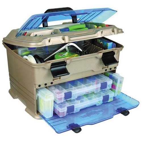 Ящик Рыболовный Пласт. Flambeau T5P Multiloader Pro Ящики рыболова<br>Ящик рыболов. пласт. Flambeau T5P MULTILOADER PRO ZERUST <br>(6320TB) разм.44,5х31,8х27,9см Комплектуется: 5007 <br>(2 шт.), 3009 (1 шт.), 4007 (2 шт.), 2003 (1 шт.) и 220 (1 шт.). <br>Ударопрочные прозрачные верхняя и боковая <br>крышки. Достаточное количество отсеков <br>для хранения различных мелочей С защитой <br>приманок полимером Zerust®. Удобная ручка <br>для переноски.<br><br>Сезон: Летний