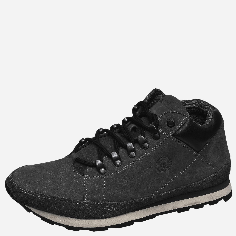 Ботинки мужские, треккинговые, чёрные (42)Ботинки для трекинга<br>Стильные мужские ботинки из высококачественного <br>натурального нубука, с деталями из бархатистого <br>замшевого спилока. Воздухопроницаемая <br>подкладка из текстиля и комфортная стелька <br>из износоустойчивой натуральной кожи обеспечивают <br>максимальный комфорт внутри обуви. Легкая, <br>гибкая комбинированная подошва из ЭВА и <br>резины обладает прекрасными амортизирующими <br>свойствами.<br><br>Пол: мужской<br>Размер: 42<br>Сезон: демисезонный<br>Цвет: черный