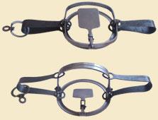 Капкан №2 (лиса)Капканы<br>Капкан охотничий №2 предназначен для охоты <br>на лисицу. Многолетний опыт производства <br>капканов ЗАО ТОНАР плюс (начиная с 1988 года), <br>применение высококачественной легированной <br>стали, точное соблюдение технологии изготовления <br>обеспечивают долгий срок службы и безотказную <br>работку капканов в любых условиях. Конструкция <br>капкана определяет его высокую уловистость <br>и безопасность для охотника.<br>