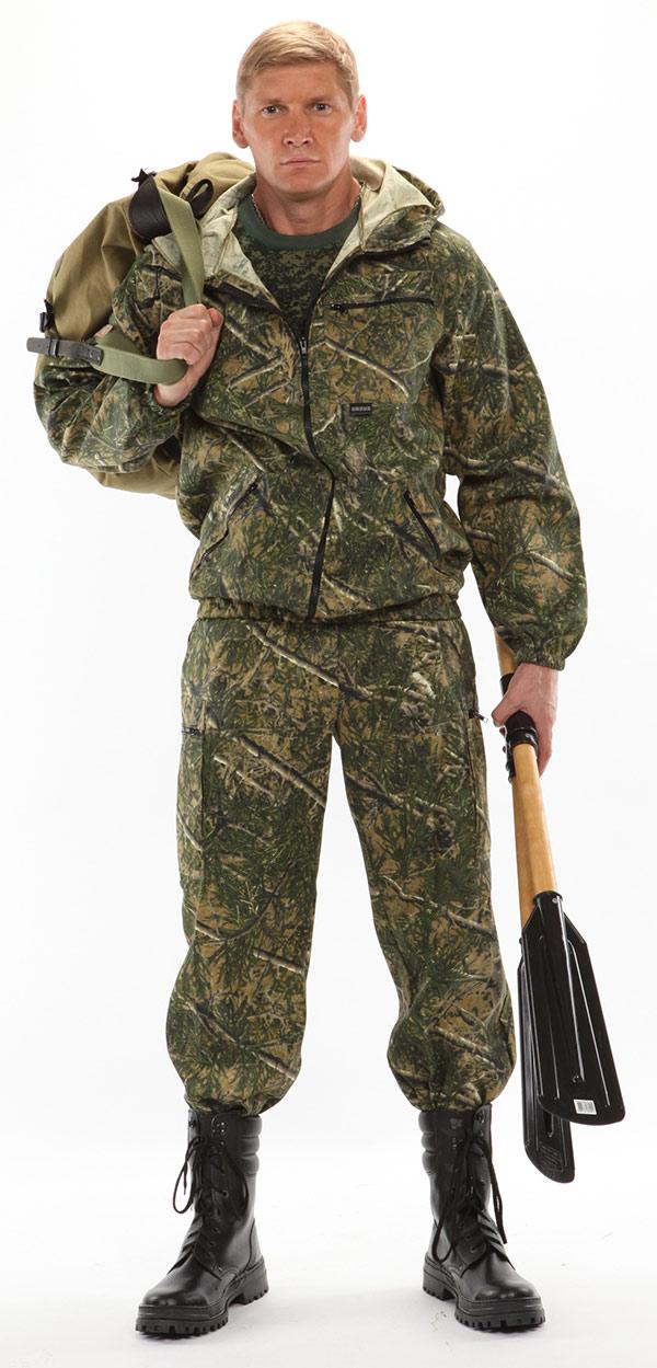 Костюм мужской Турист 1 летний, кмф тк. Костюмы неутепленные<br>Камуфлированный унверсальный летний костюм <br>для охоты, рыбалки и активного отдыха . Состоит <br>из куртки с капюшоном и брюк. Куртка: • Регулируемый <br>капюшон. • Центральная застежка молния. <br>• Боковые и нагрудный накладные карманы <br>на молнии. • Низ куртки и манжеты на резинке. <br>Брюки: • Два врезных кармана и два накладных <br>кармана на молнии. • Пояс и низ брюк на резинке.<br><br>Пол: мужской<br>Размер: 52-54<br>Рост: 182-188<br>Сезон: лето<br>Цвет: зеленый<br>Материал: Смесовая, пл. 210 г/м2,