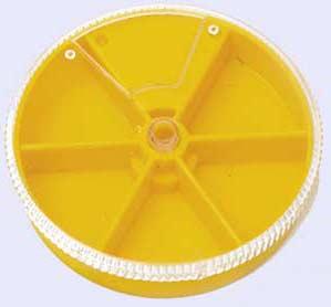 Коробка круглая диам. 70мм. (10шт.) ПирсКоробки для приманок<br>Крышка изготовлена из прозрачного ударопрочного <br>полистирола, низ коробки производится в <br>различных вариантах цвета. диаметр 70мм <br>высота 15мм секций 5<br>