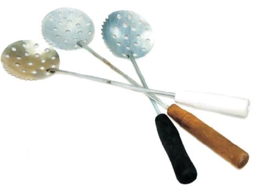 Черпак нержавейка (Тверь)Черпаки<br>Черпак нержавейка (Тверь) , является одной <br>из самых распространенных рыболвных принадлежностей. <br>Он преднозначен для очистки лунки от дробленого <br>льда, оставшегося после бурения лунки, от <br>снега, наносимого ветром. Ложка изготовлена <br>из полированного нержавеющего листа, что <br>препятствует оброзованию льда. Черпак не <br>поражается коррозией, не теряет внешний <br>вид.<br>
