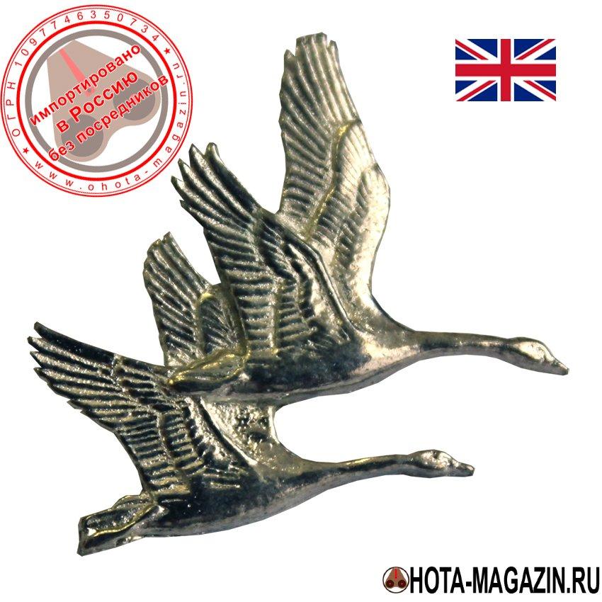 Значок с изображением пары лебедей APORTЗначки с изображением птиц<br>Классическая брошь ручной работы с изображением. <br>Легко крепится к одежде или головному убору, <br>а также изящно смотрится на сумках и чехлах <br>для оружия.<br>