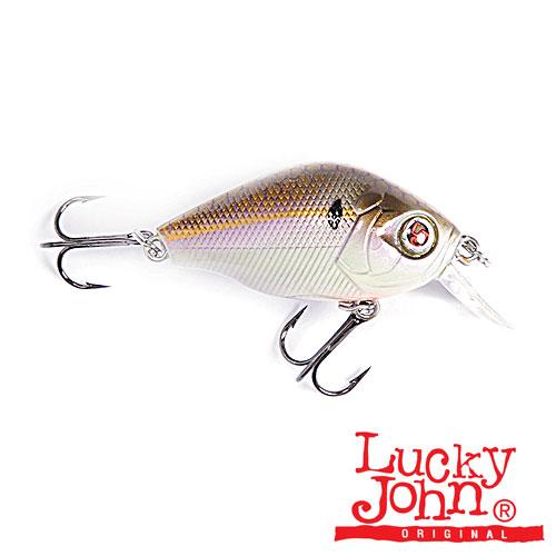 Воблер Плавающий Lucky John Tiny Jack F 04.50/s104Воблеры<br>Воблер плав.Lucky John TINY JACK F 04.50/S104 мод. TINY JACK/плав./расцв. <br>S104/дл.4,5см/вес 7г/глуб.0-0,5м Главной отличительной <br>чертой модели Tiny Jack, является небольшая <br>лопасть, установленная под углом 45 градусов <br>к телу. Именно такая конструкция предопределяет <br>мелкое заглубление приманки. Лишь ускорение <br>в подмотке катушки позволяет не намного <br>«притопить» приманку. Воблер идеально подходит <br>для ловли щуки или крупного окуня на мелководье. <br>В таких условиях Tiny Jack работает максимально <br>эффективно. При равномерной проводке воблер <br>Tiny Jack заглубляется до глубины 30см, при этом, <br>при погружении, оставляя на поверхности <br>воды усы, расходящиеся в стороны. Траектория <br>движения приманки при равномерной проводке <br>напоминает широкую синусоиду. Воблер, благодаря <br>компактному телу и приличной массе, при <br>забросе летит словно пуля, выпущенная из <br>ружья. Активная, просто сумасшедшая игра, <br>совместно со звуковым эффектом, заложенная <br>конструкторами в приманку Tiny Jack, очень часто <br>выручает спиннингиста, когда д<br><br>Сезон: Летний