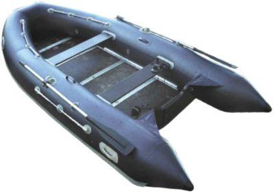 Лодка ПВХ Лидер-400 (под мотор 30л.с)(3 части) Моторные или под мотор<br>Это представитель нашей новой серии (Лидер-330,360,400). <br>Первенцем из которой была лодка Лидер 360, <br>занявшее первое место по продажам в 2002 году. <br>Принципиальное отличие этой серии от остальных <br>состоит в том, что баллон изготовлен при <br>помощи продольных швов с современной закругленной <br>формой. Благодаря этому, лодка выглядит <br>более комфортно и безопаснее. Лидер-400 - <br>самая большая по размерам лодка этой серии <br>и особенно понравится любителям рыбной <br>ловли, которые как правило имеют объемный <br>багаж и испытывают неудобства, связанные <br>с нехваткой свободного места. Данное преимущество <br>характерно для всех лодок этой серии. При <br>этом, подвесной двигатель мощностью до <br>30 л.с., позволит данной лодке достаточно <br>быстро и маневренно передвигаться по водной <br>поверхности. Эти модели имеют сборный жесткий <br>настил из водостойкой фанеры, усиленной <br>оригинальным алюминиевым профилем и упаковываются <br>для хранения и транспортировки в три сумки, <br>что максимально позволяет снизить вес каждой <br>сумки. Сливная пробка позволяет удалять <br>воду во время движения лодки под мотором, <br>что существенно повышает комфортабельность <br>при эксплуатации. Объемная носовая сумка <br>позволяет разместить в ней необходимый <br>багаж. Эти многоцелевые катера, пассажировместимостью <br>до 6 человек прекрасно справятся на любой <br>акватории при обслуживании соревнований, <br>буксировке воднолыжников, для охоты, рыбалки <br>и туристических путешествий. Могут использоваться <br>для службы спасения и патрулировании на <br>воде. Технические характеристики Длина <br>(см) 400 Ширина (см) 185 Диаметр баллона (см) <br>47 Пол водост. фанера Воздушные отсеки 3+1 <br>Максимальная мощность мотора (л.с.) 30 Количество <br>пассажиров 6 Максимальная грузоподъёмность <br>750 Вес (кг) 80<br>