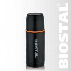 Термос Biostal Спорт NBP-500C 0,5л (узкое горло, Термосы<br>Легкий и прочный Сохраняет напитки и горячими <br>или холодными долгое время Изготовлен из <br>высококачественной нержавеющей стали С <br>защитным матовым покрытием С крышкой-чашкой <br>и дополнительной пластиковой чашкой Гарантия <br>на термос 1 год. Характеристики: Артикул: <br>NBP-500C Объем: 0,5 литра Высота: 21,3 см Диаметр: <br>7,8 см Вес: 430 грамм Размеры упаковки: 8,3см <br>x 8,3см x 22,6см Термос с узким горлом NВP-500С <br>ТМ «BIOSTAL» относится к серии «СПОРТ» премиум-класса. <br>Термосы этой серии вобрали в себя самые <br>передовые энергосберегающие технологии <br>и отличаются применением более совершенных <br>термоизоляционных материалов, а так же <br>новейшей технологией по откачке вакуума. <br>Термос с защитным черным матовым покрытием, <br>дополнительной чашкой, предназначен для <br>хранения горячих и холодных напитков (чая, <br>кофе и пр.).<br>