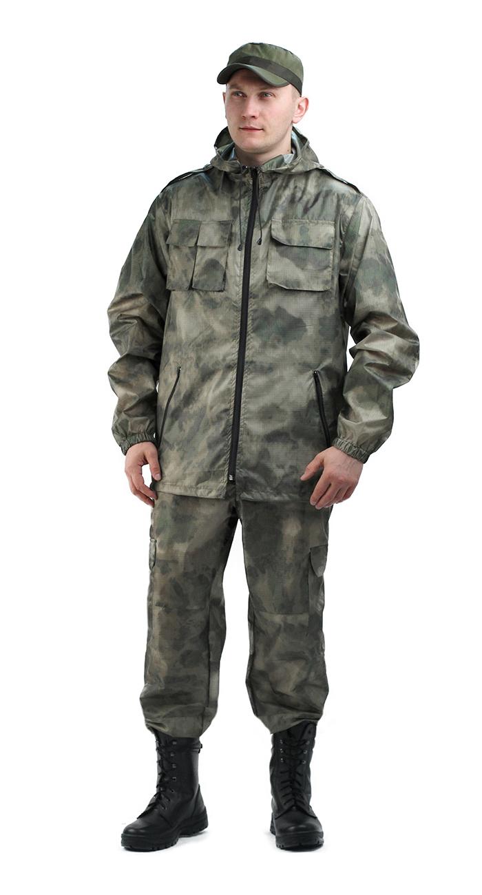 Костюм мужской ВВЗ «Турист-2» тк.Таффета Костюмы неутепленные<br>Камуфлированный универсальный летний <br>костюм для охоты, рыбалки и активного отдыха <br>. Состоит из удлинённой куртки с капюшоном <br>и брюк. Куртка: • Регулируемый капюшон. <br>• Погоны • Центральная застежка молния. <br>• Нагрудные объемные накладные карманы <br>и боковые прорезные карманы на молнии. • <br>Манжеты на резинке. • Для большего комфорта <br>под проймой имеются вентиляционные отверстия <br>Брюки: •Гульфик брюк на молнии. •Шлёвки <br>под ремень На поясе брюк вставки из эластичной <br>ленты. •Низ штанин регулируется эластичным <br>шнуром. •Удобные объёмные боковые карманы <br>• Фукциональная сумка для хранения костюма. <br>ткань Таффета рип-стоп<br><br>Пол: мужской<br>Размер: 52-54<br>Рост: 182-188<br>Сезон: лето<br>Цвет: серый<br>Материал: ткань Таффета Рип-стоп 100% п/э
