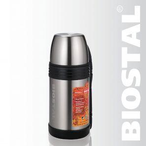 Термос Biostal Спорт NGP-1000P 1,0л (универ. с ручкой)Термосы<br>Легкий и прочный Сохраняет напитки и продукты <br>горячими или холодными долгое время Изготовлен <br>из высококачественной нержавеющей стали <br>Корпус покрыт защитным прозрачным лаком <br>Конструкция пробки позволяет использовать <br>термос как для напитков, так и для первых <br>и вторых блюд С удобной ручкой и ремешком <br>для переноски С крышкой-чашкой и дополнительной <br>пластиковой чашкой Характеристики: Объем: <br>1,0 литра Высота: 22 см Диаметр: 11 см Вес: 850 <br>грамм Размеры упаковки: 12,5см x 12см x 23см<br>