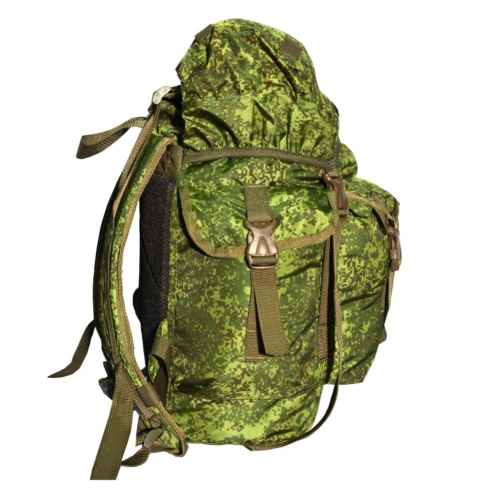 Рюкзак Кенгуру PRIVAL 45 л (цифра)Рюкзаки<br>Кенгуру 45 л (Prival) удобный, практичный рюкзак, <br>аналог классического десантного рюкзака, <br>прекрасно подойдет любителям охоты, рыбалки <br>и других видов активного отдыха. Рюкзак <br>состоит из одного большого отделения с <br>небольшим внутренним карманом на молнии <br>для мелочей. Снаружи рюкзака расположены <br>три кармана: два по бокам, один фронтальный. <br>В верхнем клапане имеется карман на молнии. <br>Фронтальный и боковые карманы имеют подворачиваемые <br>клапаны, которые препятствуют попаданию <br>влаги и выпадению содержимого. В карманах <br>и в основном отделении предусмотрены отверстия-сливы <br>для отвода воды и вентиляции. Сверху, снизу <br>и на лямках рюкзака вшиты стропы, на которые <br>можно разместить дополнительное подвесное <br>снаряжение. Характеристики: Назначение: <br>походы выходного дня, для охоты и рыбалки <br>Исполнение: мягкий Лямок: 2 шт Тип: унисекс <br>Вес: 800 гр Высота: 46 см Ширина: 32 см Толщина: <br>20 см Объём: 45 литров Грузоподъёмность: до <br>10 кг Ткань: 100% полиамид Ткань дна: 100% полиамид <br>Цвет - цифра<br><br>Пол: унисекс