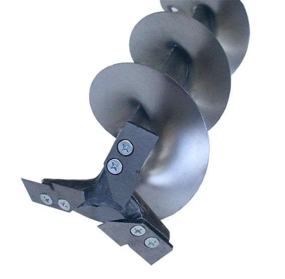 Ледобур Титан ТЛР-130Д-3НТШ (3 ножа, телеск. Ледобуры ручные<br>Трехножевой титановый ледобур с телескопическим <br>шнеком, увеличенной длиной шнека и увеличенным <br>количеством витков шнека. Диаметр бурения <br>130 мм, глубина бурения - до 1900 мм. Масса - 2,35 <br>кг. Титановые ледобуры имеют две выдающиеся <br>характеристики - чрезвычайно низкий вес <br>и высокая прочность. Титан не подвержен <br>коррозии и очень долговечен.<br>