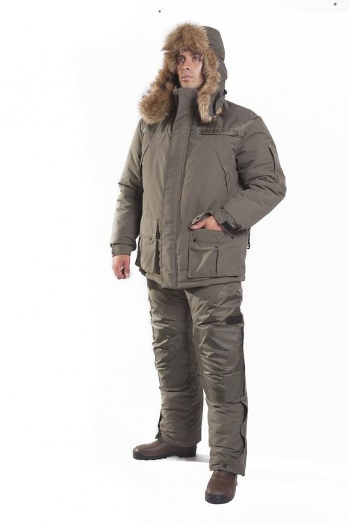 Костюм мужской Сармат зимний, меховой Костюмы утепленные<br>Зимний костюм, который оценят рыбаки и <br>охотники, а так же для любители активного <br>отдыха (езда на снегоходах). Очень теплый, <br>не продувается, не промокает. Комплект состоит <br>из куртки и брюк с завышенной талией. Анатомический <br>капюшон в виде шапки ушанки с искусственным <br>мехом, регулируется утяжками. Плечи дублированы <br>оксфордом. Брюки с завышенной талией и регулировками. <br>Капюшон отстёгивающийся, край обзора капюшона <br>подбит искусственным мехом, что дополнительно <br>предотвращает попадание ветра и снега. <br>Наколенные карманы оснащены съёмными вкладышами <br>из изолона, которые защищают от влаги и <br>холода. Куртка •куртка имеет 2 внутренних <br>и 5 внешних карманов, что очень удобно находясь <br>на рыбалке, т.к. все личные вещи всегда при <br>вас •свободный крой •центральная двухзамковая <br>застёжка-молния •ветрозащитный клапан <br>на липучке «velkro» •воротник-стойка отделан <br>поларфлисом •регулируемый капюшон с анатомическими <br>утяжками на подкладке из поларфлиса, отстёгивающийся <br>на молнии, с отделкой из искусственного <br>меха •регулируемый манжет рукава Полукомбинезон <br>•регулируемые отстёгивающиеся эластичные <br>лямки •шлёвки для ремня •эластичный шнур <br>по линии талии •один прорезной карман на <br>молнии в области бёдер •анатомический <br>крой колена •два кармана в области колена <br>дополнены защитными съёмными вставками <br>из изолона •регулируемый низ брюк с помощью <br>застёжки-молния на планке Ткань: Микрофибра, <br>ткань изготавливаемая из тончайших полимерных <br>нитей, которые, благодаря особенностям <br>производства, обладают повышенной прочностью, <br>устойчивостью к воздействию света и химических <br>веществ. 100% полиэстер, мембранная дышащая, <br>ветровлагозащитная, плотность:140 гр/м2. Влагозащита: <br>не менее 5000мм водяного столба Утеплитель: <br>холлофайбер брюки 300 г/м2, куртка 300 г/м2 Вставки: <br>оксфорд 100% полиэстер плотность 240