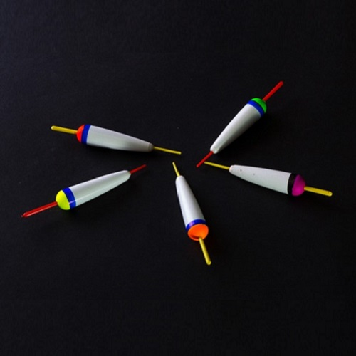 Поплавок Пенопласт. Конус 35Мм 1,3ГПоплавки<br>Поплавок пенопласт. КОНУС 35мм 1,3г дл.35мм/1,3г/цвет <br>в ассорт./кратность 10шт. Поплавки изготовлены <br>из пенопласта повышенной прочности, обладают <br>очень большим удельным весом. Весовые характеристики <br>позволяют использовать эту серию поплавков <br>для дальнего заброса и на любом течении. <br>Хорошо зарекомендовали себя при ловле хариуса <br>и форели на реках Архангельской области <br>и Карелии. По качеству и долговечности эти <br>поплавки превосходят даже поплавки из бальзы.<br><br>Сезон: лето