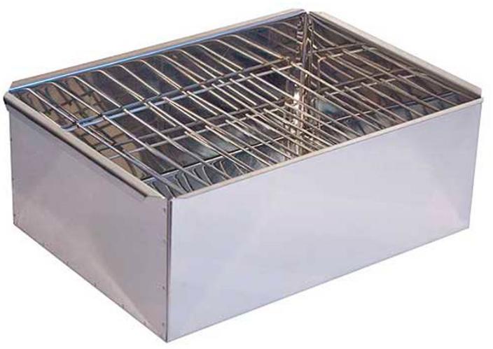 Коптильня двухъярусная (380х280х270, поддон) Коптильни<br>Коптильни двухъярусные металлические <br>предназначены для горячего копчения продуктов <br>на открытом воздухе. Благодаря небольшим <br>размерам и малому весу они могут применяться <br>повсюду - на рыбалке и на охоте, на пикнике <br>и в походе, в путешествии и на даче. В качестве <br>источников тепла могут быть использованы <br>огонь костра или горящие угли в мангале. <br>Предупреждение: во избежание порезов и <br>ожогов сборку/разборку и эксплуатацию коптильни <br>производите в перчатках. Коптильня соответствует <br>санитарно-эпидемиологическим требованиям, <br>правилам и нормативам. Размер: 380х280х270 мм. <br>Материал: сталь 0,8 мм.<br>