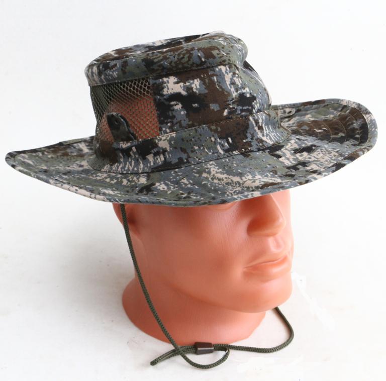 Шляпа ХСН «Фазан» (Камыш, 59, 9243-3)Шляпы<br>Идеальный вариант для загородных поездок, <br>на природу, в путешествие, на рыбалку - охоту. <br>Изготовлена из авизента. Защитит от солнца <br>- насекомых. Комфортная температура эксплуатации: <br>от +15°С до +25°С. Особенности: - поля пристёгиваются <br>к тулье на кнопки; - вставка из сетки для <br>вентиляции; - для удобного ношения снабжена <br>шнуром.<br><br>Пол: унисекс<br>Размер: 59<br>Сезон: лето<br>Цвет: камуфляжный<br>Материал: 95% хлопок, 5% спандекс