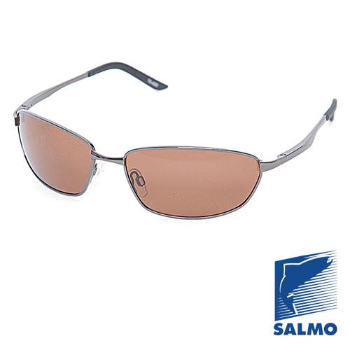 Очки Поляризационные Salmo 17Очки для активного отдыха<br>Очки поляризационные Salmo 17 толщ.линз.0,65мм/мат.метал <br>Поляризационные очки предохраняют глаза <br>рыболова от инфракрасного излучения солнца. <br>Они снижают солнечные блики от воды, во <br>время рыбалки. Эти очки позволяют рыболову <br>смотреть «сквозь воду» и ловить рыбу целый <br>день против солнца. • Ярлык-тестер, для <br>проверки качества поляризации. • цвет стекол: <br>коричневые. упаковка: чехол из ткани.<br><br>Пол: унисекс<br>Сезон: лето