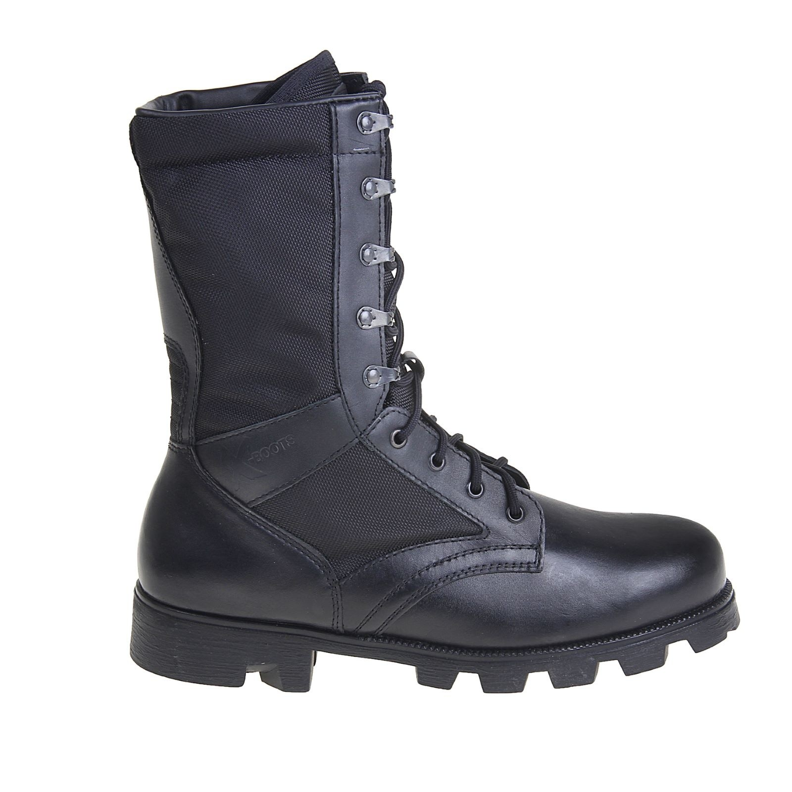 Ботинки Бутекс 1411 Калахари черные (45)Берцы<br>Ботинки отлично подойдут любителям активного <br>отдыха. Отлично подойдут для ношения осенью <br>и весной в мокрую дождливую погоду. Будут <br>прекрасно сочетаться с любой одеждой. Особенности: <br>- металлический супинатор; - глухой клапан, <br>предохраняющий ногу от воздействий окружающей <br>среды; - система скоростной шнуровки; - задник <br>и подносок сделаны из термопластического <br>материала; - удобный в эксплуатации мягкий <br>кант; - амортизирующая вставка в пяточной <br>части; - нетканая и устойчивая к истиранию <br>подкладка cambrelle.<br><br>Пол: мужской<br>Размер: 45<br>Сезон: лето<br>Цвет: черный<br>Материал: гидрофобная кожа