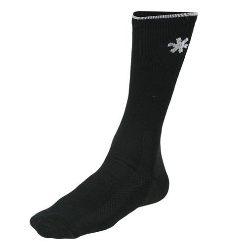 Носки Norfin Feet Line (L, 303707-L)Носки<br>Носки Norfin FEET LINE р.L(42-44) разм.(42-44)/эласт./ акрил/темп. <br>Прохладно Носки изготовлены из высококачественного <br>акрила, отводящего излишнюю влагу от ступней <br>ног и удерживающего-тепло. Эластичные носки <br>хорошо-облегают ступню и щиколотку, удобны <br>и приятны в носке.<br><br>Пол: мужской<br>Размер: L<br>Сезон: демисезонный<br>Цвет: черный