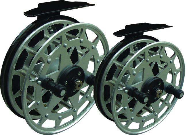 Катушка инерционная SWD Селигер 125 (алюминий) Инерционные<br>Инерционна я катушка SWD Т-125 используется <br>совместно со спиннинговыми и донными удилищами. <br>Барабан диаметром 125мм выполнен из аллюминиевого <br>сплава. Характеризуется доступной ценой <br>и плавным ходом. Комплектуются 2 специальными <br>шарикоподшипниками.<br>