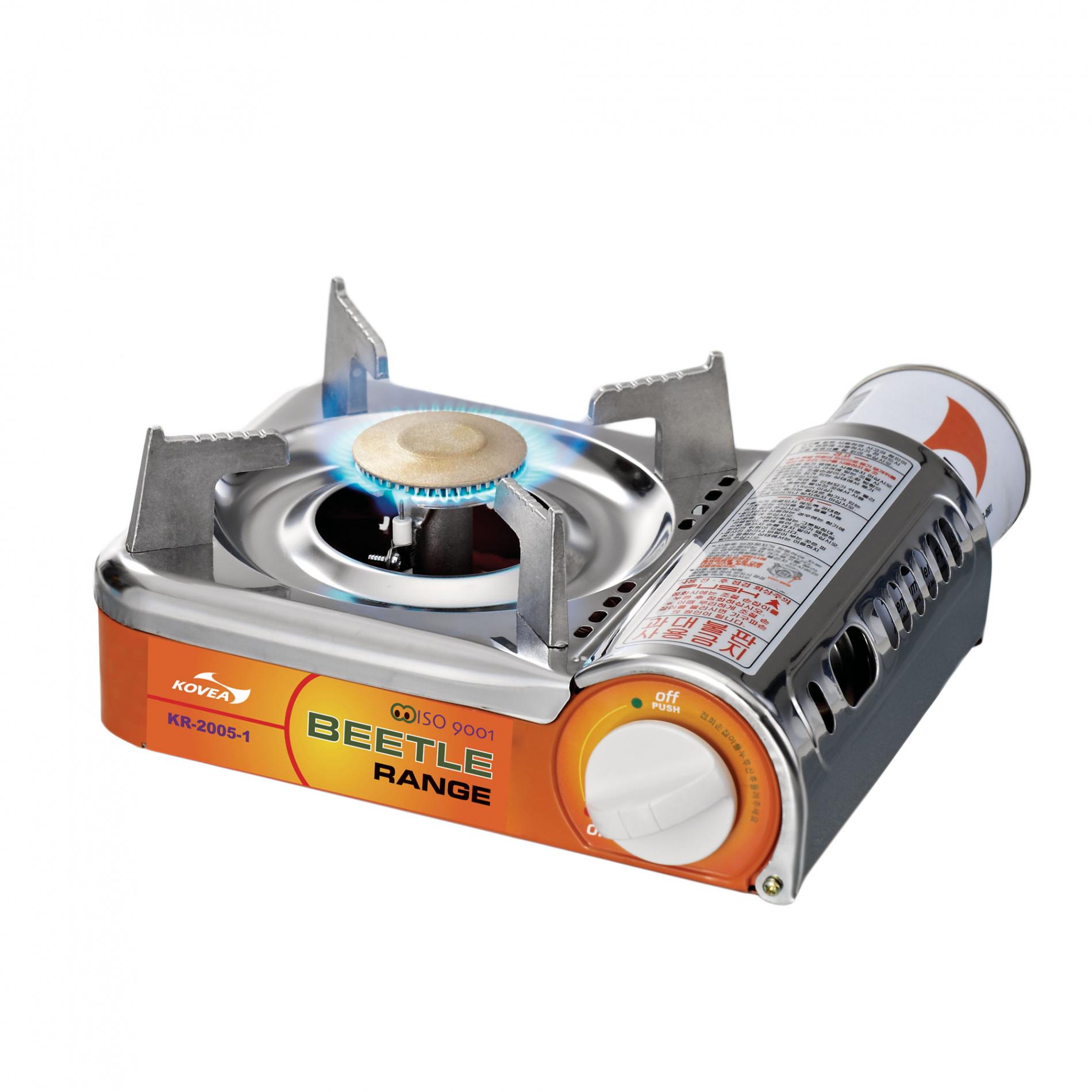Плита газовая Kovea мини TKR-2005Плиты<br>Отличается от аналогов меньшим размером, <br>весом и увеличенной мощностью. Верхняя <br>панель выполнена из полированной нержавейки, <br>благодаря чему прекрасно моется. Плита <br>имеет предохранительный клапан избыточного <br>давления в газовом баллоне. Если баллон <br>перегреется и давление повысится выше допустимого, <br>подача газа сразу же прекратится. Возобновить <br>работу плиты можно, нажав красную кнопку <br>на редукторе. Также имеется блокировка <br>подачи газа, если баллон установлен криво <br>или ненадлежащим образом. Наличие дополнительных <br>средств безопасности повышает функциональность <br>и добавляет уверенности при работе с плитой. <br>Работает от цангового баллона 220 г., который <br>помещается внутри плиты. Комплектация: <br>Газовая плита, пластиковый кейс, инструкция <br>по эксплуатации. Модель KR-2005 Вес 1100 г Расход <br>топлива 130 г/ч Размер упаковки 240x125x220 мм <br>Диаметр конфорки 18 см Пъезоэлемент есть<br>