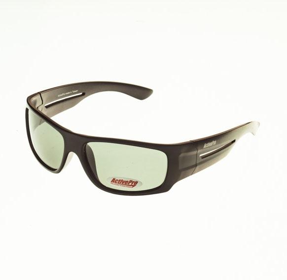 Очки поляризационные ActivePro Серые линзы Очки для активного отдыха<br>Свойства цвет вставки: черный цвет линзы: <br>серый цвет оправы: матовый черный поляризация: <br>Cat. 3 материал : пластик Описание Поляризационные <br>очки отфильтровывают UV лучи, уменьшают <br>поток света, попадающего на сетчатку, тем <br>самым защищая глаза. Поглощая блики солнечных <br>лучей, очки позволяют видеть рыбу и дно <br>водоема. Серые линзы комфортны при ярком <br>солнечном свете<br>