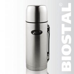 Термос Biostal Охота NBP-1000H 1л (узк. горло, с Термосы<br>Легкий и прочный Сохраняет напитки горячими <br>или холодными долгое время Изготовлен из <br>высококачественной нержавеющей стали С <br>крышкой-чашкой и удобной пластиковой ручкой <br>С дополнительной теплоизоляцией внутри <br>пробки Характеристики: Объем: 1,0 литра Высота: <br>27,5 см Диаметр: 9 см Вес: 650 грамм Размеры упаковки: <br>9,8см х 9,8см х 28,8см<br>