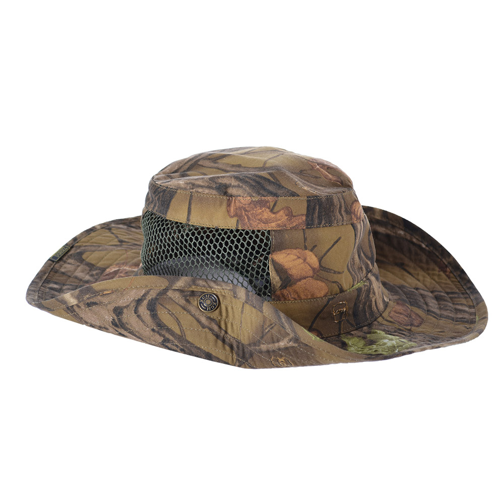 Шляпа ХСН «Фазан» (9243-2) (Лес, 57, 9243-2)Шляпы<br>Идеальный вариант для загородных поездок, <br>на природу, в путешествие, на рыбалку - охоту. <br>Изготовлена из хлопка. Защитит от солнца <br>- насекомых. Комфортная температура эксплуатации: <br>от +15°С до +25°С. Особенности: - поля пристёгиваются <br>к тулье на кнопки; - вставка из сетки для <br>вентиляции; - для удобного ношения снабжена <br>шнуром.<br><br>Пол: унисекс<br>Размер: 57<br>Сезон: лето<br>Материал: 95% хлопок, 5% спандекс