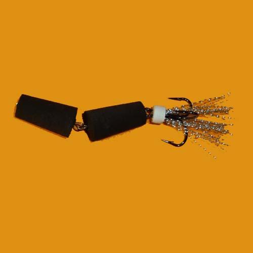 Приманка Джиговая Флажок 120 Чер.Джиговые (мандула)<br>Приманка джиг. ФЛАЖОК 120 чер. Модель №120 <br>с одним тройником/уп. 5шт. Модель для судака, <br>щуки. Надёжный и острый ванадиевый ломаный <br>тройник №4 изначально предназначался для <br>слабого клёва, когда хищник кусает вдогонку.<br><br>Сезон: Летний