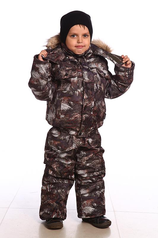 Костюм зимний детский Маугли (128)Костюмы утепленные<br>Зимний костюм усовершенствован съемной <br>меховой опушкой из искуственного меха. <br>Костюм на подкладке COSMO HEAT, что увеличивает <br>теплозащитные свойства куртки. - съемный <br>капюшон на молнии - вместительные карманы <br>- полукомбинезон с регулируемыми бретелями, <br>с карманами, с настроченными наколенниками, <br>дополнительно собран по спинке на резинку. <br>- количество карманов - 6. Cosmo-heat - технология <br>уникальной терморегуляции возвращает собственное <br>тепло человека, отражая его с помощью серебристого <br>точечного покрытия. Cosmo-wind фактурная ткань <br>плотного плетения, состоящая на 100 % из синтетических <br>волокон, препятствует излишнему проникновению <br>воздуха. Ткань верха: Duplex Утеплитель: куртка <br>- синтепон 400гр/м2, п/к - 200гр/м2 Подкладка: <br>таффета, Cosmo-Heat Опушка: искусственный мех <br>Температурный режим: от -10 до -20°С<br><br>Рост: 128<br>Сезон: зима<br>Цвет: камуфляжный<br>Материал: Duplex