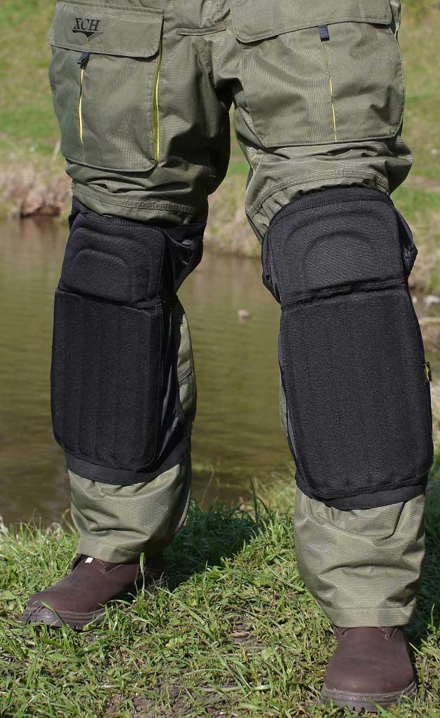 Наколенники рыболова ХСН №2Наколенники<br>Разработаны специально для рыболовов-спортсменов, <br>которые обычно ловят рыбу с колен. Ловля <br>с колен позволяет уменьшить негативное <br>влияние ветра на леску и сторожок удочки, <br>способствует более скрытному, деликатному <br>вываживанию. Особенности: - материал Оксофрд <br>600Д; - усилитель верха - ППЭ 2 мм; - усилитель <br>низа - ППЭ 8 мм.<br><br>Сезон: Всесезонная