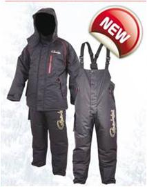 Костюм утепленный GAMAKATSU 7162 (M)Костюмы утепленные<br>Зимний костюм GAMAKATSU Thermal Suit защитит вас <br>от мороза и холодного ветра до -25С. Костюм <br>выполнен из легкой дышащей высокотехнологичной <br>мембраны. Вы всегда будете находиться в <br>тепле и комфорте, благодаря сбалансированному <br>сочетанию хлопка, полиэстера и флиса. В <br>комплект входят: Полукомбинезон: расширенное <br>голенище на молнии и липучке; 3 карман; удобная <br>система регулировки поддерживающих ремней. <br>Куртка: подкладка из микрофлиса; регулируемый <br>капюшон с козырьком; манжеты рукавов из <br>неопрена; внутренний карман; 3 внешних кармана.<br><br>Пол: мужской<br>Размер: M<br>Сезон: зима<br>Цвет: серый