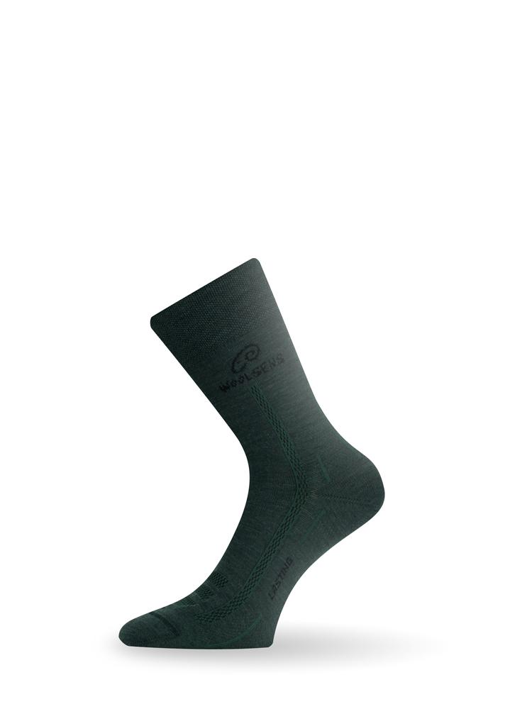 Носки Lasting WLS 620, зеленые АвантмаркетНоски<br>Lasting WLS - тонкие трекинговые носки, содержащие <br>мериносовую шерсть, уникальный природный <br>материал, который при увлажнении генерирует <br>тепло. Простая вязка в подъеме улучшает <br>общую вентиляцию ноги и общий тепловой <br>баланс. В подъеме имеется сетчатая часть, <br>обеспечивающая циркуляцию воздуха и удаление <br>влаги. Пятку и носок образует двухслойная <br>простая вязка, обеспечивающая высокую механическую <br>прочность. Шерсть антибактериальная, следовательно, <br>сводит к минимуму неприятные запахи. Особенности: <br>- Наличие защитной зоны - Улучшеная циркуляцию <br>воздуха - Наличие эластичного бандажа - <br>Тонкий шов типа Россо - Антибактериальные <br>Применение: на каждый день, город, треккинг, <br>спорт, охота и рыбалка Состав материала: <br>75% MERINO WOOL 10% SILTEX - polypropylene 10% POLYAMIDE 5% LYCRA - elastan <br>Температурный режим: +5 °C / +25 °C Таблица размеров <br>носков Lasting Размеры XXS XS S M L XL cm 16-18 19-21 22-24 <br>25-27 28-30 31-33 EU 24-28 29-33 34-37 38-41 42-45 46-49 US 7-9 10-1 2-4 <br>5-7 8-10.5 11-13<br><br>Материал: {шерсть,комбинированный}