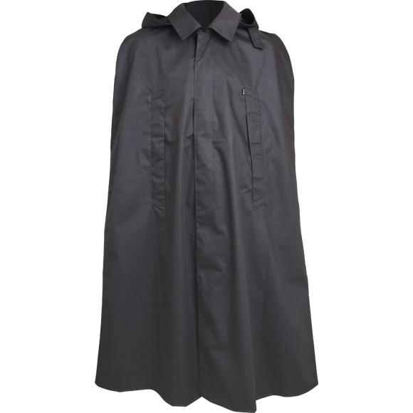 Плащ-накидка черная, прорезиненнаяПлащи<br>Плащ-накидка изготовлен из прорезиненной <br>ткани плотностью 400гр. Все швы проклеены<br><br>Сезон: демисезонный<br>Цвет: черный
