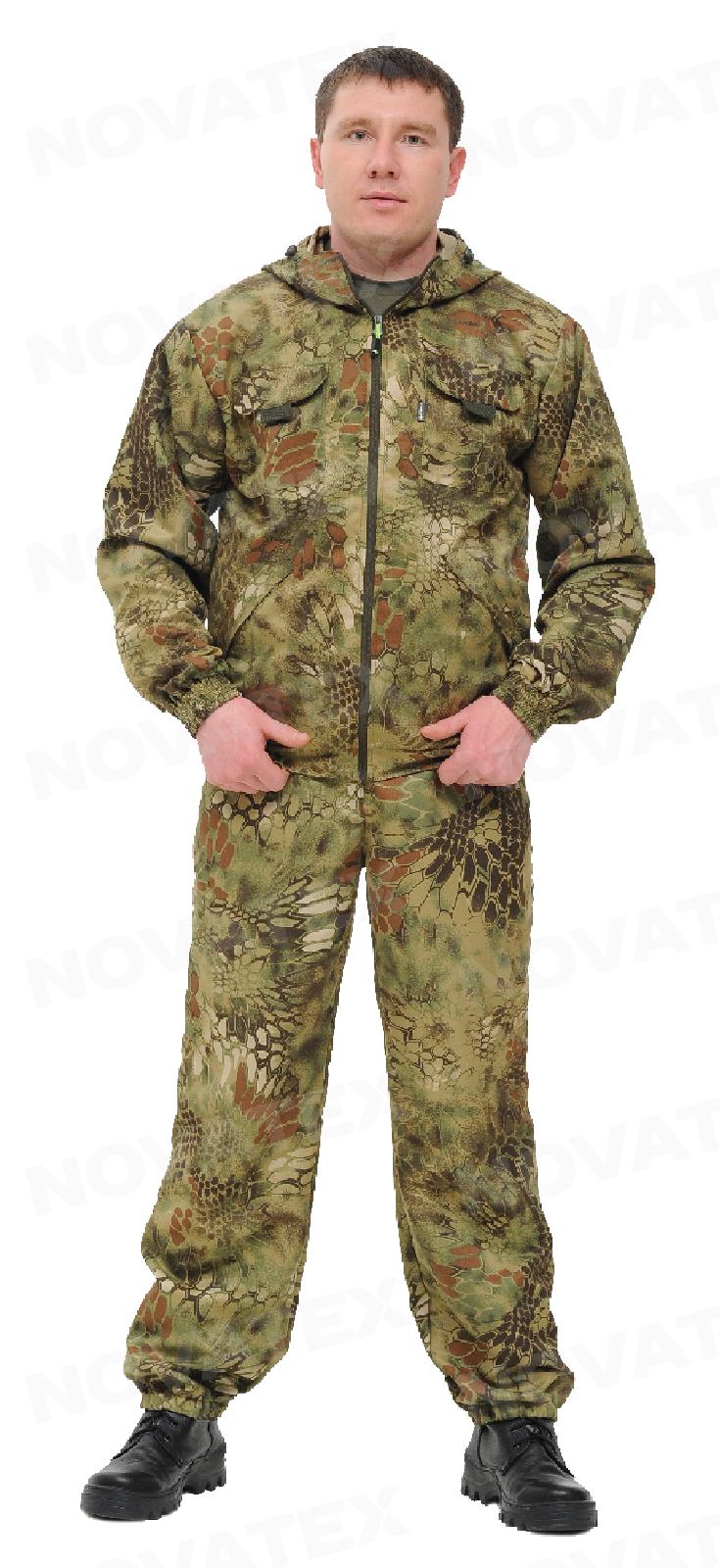 Костюм «Питон» (смесовая, питон) КВЕСТ (56-58 Костюмы неутепленные<br>Костюм «Питон» (ТМ КВЕСТ) от компании Novatex <br>относится к линейке летних универсальных <br>костюмов. Для пошива используется легкая <br>смесовая ткань, в состав которой входитхлопок <br>и полиэстр. Костюм «Питон» состоит из укороченной <br>куртки и брюк. Благодаря содержанию полиэстра <br>костюм отлично держит форму, не мнется и <br>обладает повышенными износостойкими качествами. <br>На куртке два нагрудных кармана на липучке <br>и два кармана с листочками. Низ куртки частично <br>собран на резинку. Капюшон утягивается <br>по овалу лица. Брюки прямого кроя. Низ брюк <br>и талия собраны на резинку, и дополнительно <br>имеются шлевки под ремень. Два косых кармана. <br>Костюм «Питон» - отличный выбор для охоты, <br>рыбалки и активного отдыха.<br><br>Пол: мужской<br>Размер: 56-58<br>Рост: 182-188<br>Сезон: лето<br>Цвет: коричневый