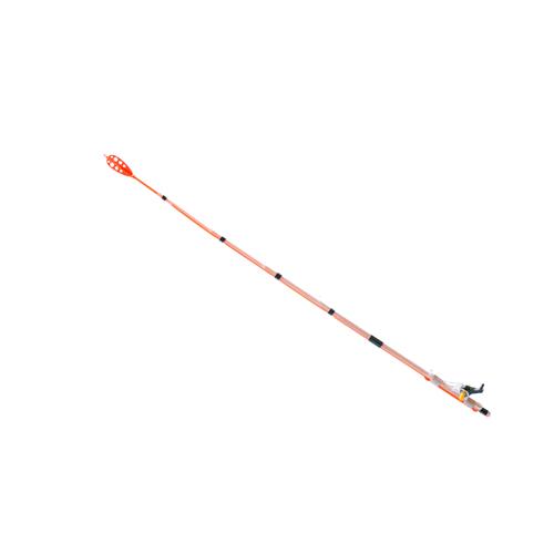 Сторожок Whisker Click L 1,5/30См Тест 0,5ГСторожки<br>Сторожок WHISKER Click L 1,5/30см тест 0,5г Посадочный <br>диаметр коннектора 1,5мм/длина 30см/тест 0,5г <br>Whisker L (30 см./ 0,5 + гр.) – регулируемый рессорный <br>кивок для деликатной ловли рыбы в условиях <br>стоячей воды или слабого течения на мормышки <br>от 0,5 гр до 1 гр. Отлично работает на мелководных <br>травянистых участках и других местах с <br>глубиной 0,3 - 3 метра. Регулировка рабочей <br>длины кивка производится в районе коннектора, <br>увеличивая грузоподъемность кивка. Коннектор <br>содержит эксцентричный зажимной механизм <br>с защёлкой, позволяющий надежно зафиксировать <br>кивок на хлысте удилища без риска его поломки. <br>Яркая окраска и ветроустойчивое перо на <br>конце кивка делают кивок замечательно заметным <br>на любом фоне. Рекомендуется применять <br>с самозажимным мотовилом «Whisker». Посадочный <br>диаметр коннектора 1,5 мм.<br><br>Сезон: лето