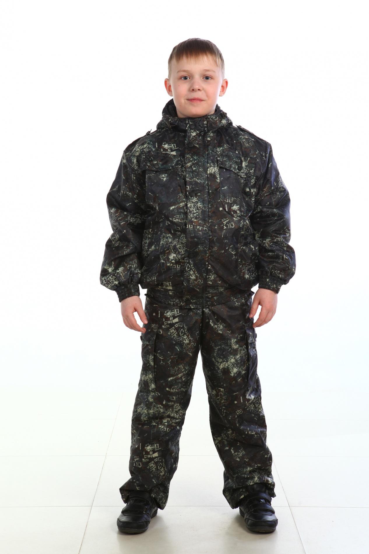Костюм демисезонный детский Юный следопытКостюмы утепленные<br>Демисезонный костюм - Капюшон с регулировкой <br>лицевой части по высоте резиновым шнуром; <br>- Фронтальная молния , закрытая ветрозащитной <br>планкой, застегивающейся на кнопки; - Декоративные <br>погоны; - Количество карманов 8; - Регулировочная <br>пата на рукаве на липучке; - Регулировка <br>низа по ширине резиновым шнуром. Ткань верха: <br>Ткань Оксфорд(Oxford) Подкладка: Таффета 170Т <br>Утеплитель: Синтепон 150 гр/м2 Температурный <br>режим: от 2 до 10°С<br><br>Сезон: демисезонный<br>Материал: Оксфорд (100% полиэфир), пл. 240г/м2