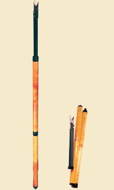 Пешня разборная (Барнаул)Ледобуры ручные<br>Пешня разборная ПР-01 предназначена для <br>вырубания лунки во льду при спортивном <br>и любительском лове рыбы. С помощью пешни <br>можно быстро и точно определить толщину <br>осеннего тонкого и прочность весеннего <br>рыхлого льда, использование ее в качестве <br>щупа при хождении по льду значительно <br>снижает риск купания в холодной воде. Оригинальная <br>конструкция ножа обеспечивает легкий скол <br>льда. Возможность разбора пешни и ее малый <br>вес (2,3 кг) существенно облегчают транспортировку. <br>Характеристика пешни: Длина в рабочем положении: <br>1380 мм Длина в транспортном положении: 520 <br>мм Диаметр ручки: 35 мм Вес пешни: 2,3 кг<br>