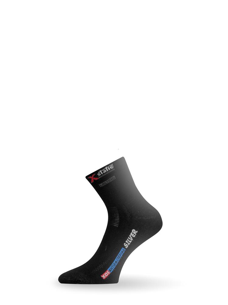 """Носки Lasting XOS 900 АвантмаркетНоски<br>Это легкие, тонкие носки, изготовленные <br>из материалов, пригодных для использования <br>в теплую погоду, с применением технологий <br>Transfor и Aircond. Комбинация этих технологий <br>способствует естественному процессу охлаждения <br>тела при одновременном сохранении сухой <br>кожи. Носок полностью выполнен из эластичного <br>волокна, что обеспечивает отличное прилегание <br>к ноге и предотвращает неприятное сползание. <br>Подвергающиеся большой нагрузке области <br>подошвы, мыска и пятки усилены двойным слоем <br>материала. Особенности: двухслойная кулирная <br>вязкая вязка """"cетка"""" для улучшения вентиляции <br>тонкий шил типа Россо Состав: 75% Coolmax 13% Polyamide <br>5% X-Static 7% Lycra Размеры XXS XS S M L XL cm 16-18 19-21 22-24 <br>25-27 28-30 31-33 EU 24-28 29-33 34-37 38-41 42-45 46-49 US 7-9 10-1 2-4 <br>5-7 8-10.5 11-13<br>"""