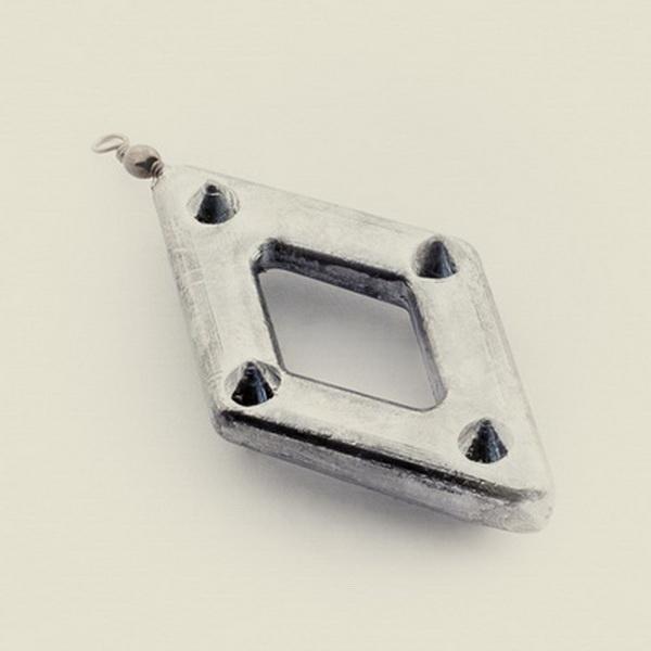 Рамка Trout Pro подвесная с вертлюгом (крашенная) Грузила<br>Рамка Trout Pro подвесная с вертлюгом (крашенная) <br>115 г. 32-003 – прекрасно подходит для донной <br>рыбалки либо на спиннинг, либо на удочку. <br>За счет своей формы груз устойчиво держится <br>на грунте водоема даже при сильном течении.<br>