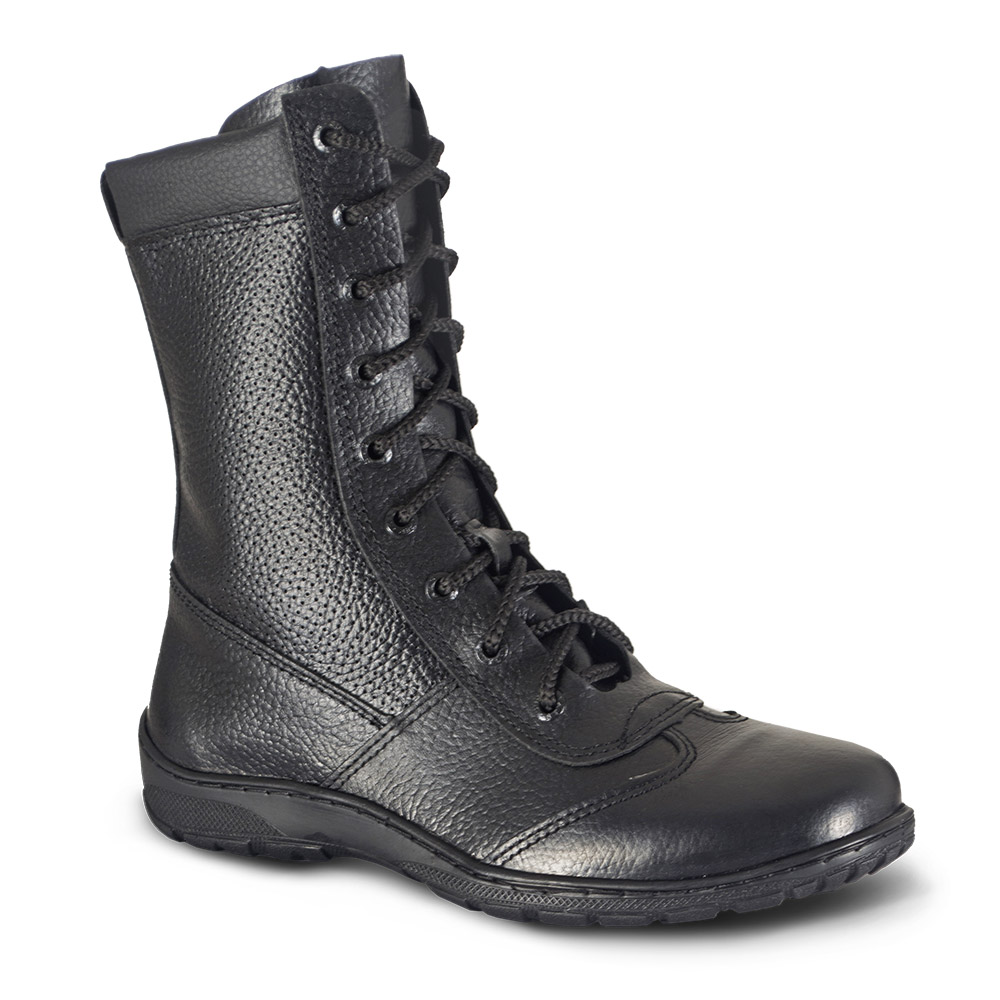 Ботинки мужские ХСН Ратник вентилируемые Ботинки для активного отдыха<br>Подходит для активного отдыха, охоты и <br>рыбалки. Комфортная температура эксплуатации: <br>от +5°С до +20°С. Особенности: - кожа с повышенной <br>влагостойкостью; - пластиковая молния; - <br>усиливающие элементы в носовой и пяточной <br>частях; - металлический супинатор; - Cambrelle <br>- потоотводящий материал; - подошва повышенной <br>износостойкости; - при изготовлении применяются <br>высокопрочные нити Guterman (Германия).<br><br>Пол: мужской<br>Размер: 44<br>Сезон: лето<br>Цвет: черный